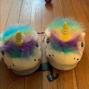 NWT unicorn slippers Medium 7/8